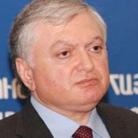 Интервью министра иностранных дел Армении Эдуарда Налбандяна директору информационного агентства Арменпресс Грайру Зоряну