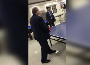 Армен Саркисян сыграл с супругой в пинг-понг
