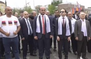 Тигран Авинян посетил Апаран вместе с Агваном Овсепяном и Самвелом Алексаняном