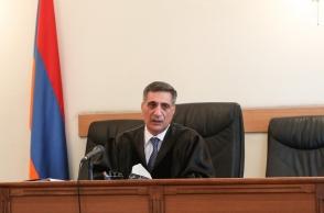 Քոչարյանի գործով դատավորը թիկնապահի ուղեկցությամբ եկավ դատարան