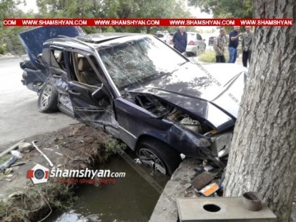 Ինչպես է Արմավիրի մարզում տեղի ունեցել Mercedes-ի մասնակցությամբ խոշոր ավտովթարը