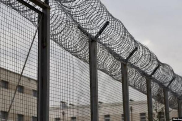 Բանտի տեսախցիկի հսկիչը մեղադրվում է բանտարկյալի ինքնասպանության մեջ