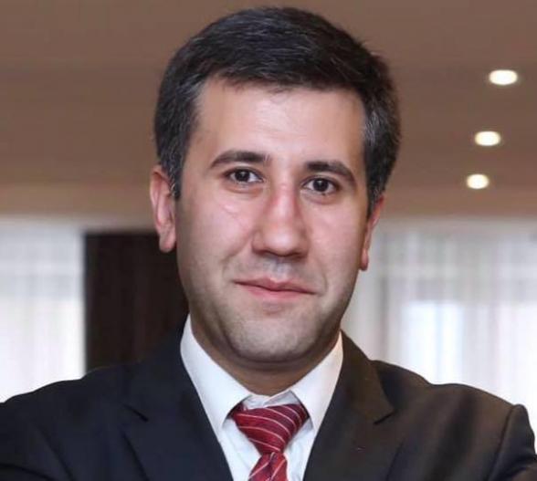 Ճիշտ նույն իրավական հիմքով դադարել են ոչ միայն ՍԴ դատավոր ընտրված Հրայր Թովմասյանի, այլև 6-րդ գումարման ԱԺ-ի ևս չորս պատգամավորի լիազորություններ
