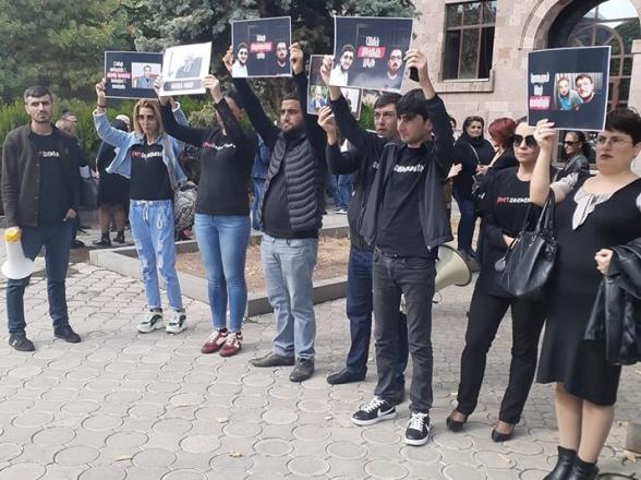 Նարեկ Մութաֆյանը և Սարգիս Օհանջանյանը կմնան կալանքի տակ. Վերաքննիչը մերժեց պաշտպանների բողոքը (տեսանյութ)