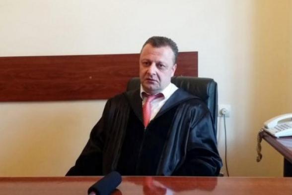 Ի՞նչ անկախության մասին է խոսքը, անկախ դատավորները հիմա կամիկաձեներ են. Ալեքսանդր Ազարյան