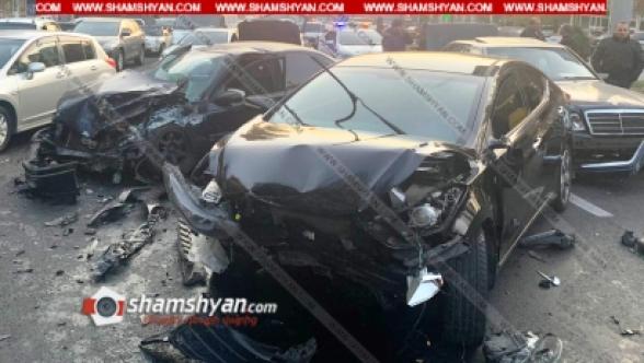 Երևանում բախվել են Mercedes-ը, Hyundai-ը և 2 Opel-ները