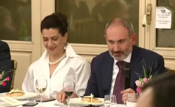 Анна Акопян – Николу Пашиняну: «Дашь ты, наконец, поесть?»