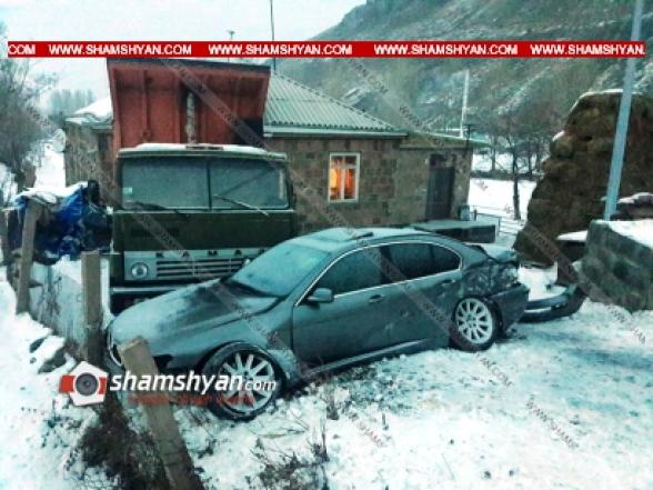 Գեղարքունիքի մարզում 28-ամյա վարորդը BMW-ով բախվել է քարե շինության պատին, այնուհետև կայանված КаМАЗ-ին. կա վիրավոր