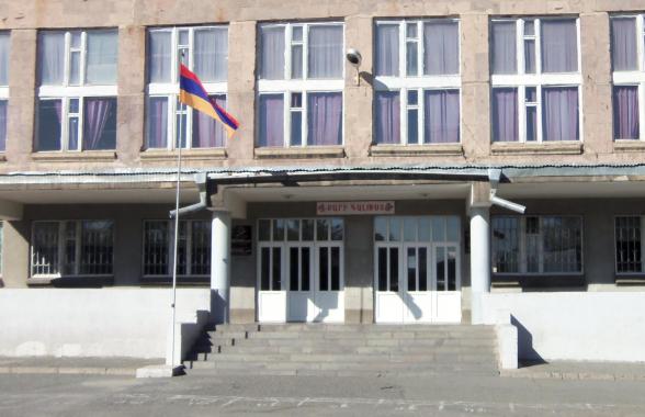 В Ереване госпитализирован школьник с ножевым ранением