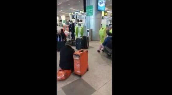 Մոսկվայի օդանավակայանում առանց փող, սոված նստած ենք. ՀՀ քաղաքացին ահազանգում է (տեսանյութ)