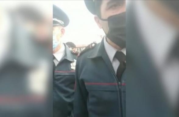 Իշխանության շարած ոստիկանական «կարդոնները» ոչ թե կորոնովիրուսի դեմ են ուղղված, այլ սոված քաղաքացիների (տեսանյութ)