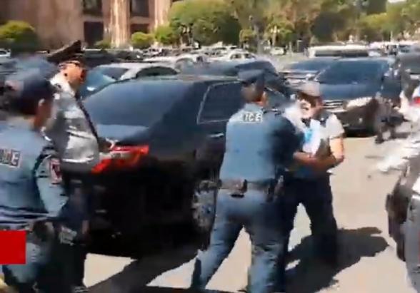 Ի՞նչ եմ արել, արա՛․ քաղաքացուն թույլ չտվեցին բողոքի ակցիա անել (տեսանյութ)