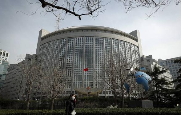 Китай выразил протест США из-за вмешательства во внутренние дела страны по Гонконгу