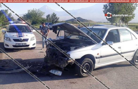 Արարատի մարզում բախվել են Opel Vectra-ն ու Peugeot 405-ը. կա վիրավոր