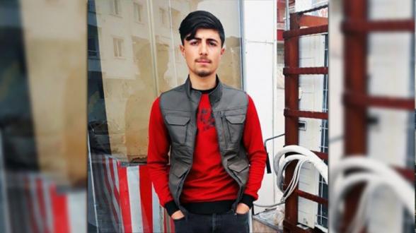 В Турции 20-летнего курда зарезали за то, что слушал курдскую музыку