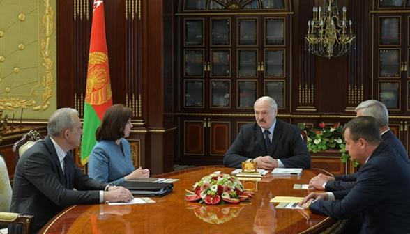 Революции при формировании нового правительства Беларуси не произойдет – Лукашенко