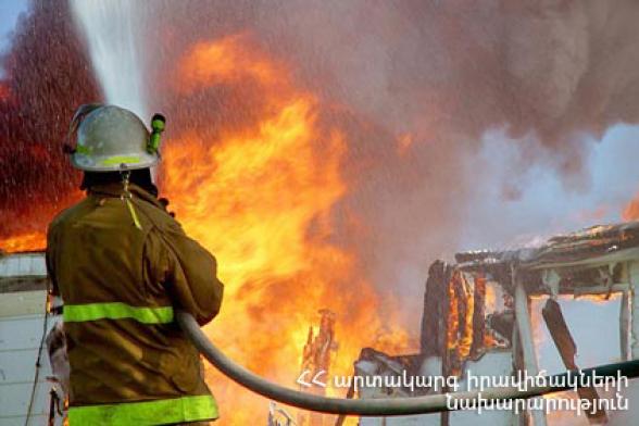 Գավառ քաղաքում այրվել է փայտյա տնակ