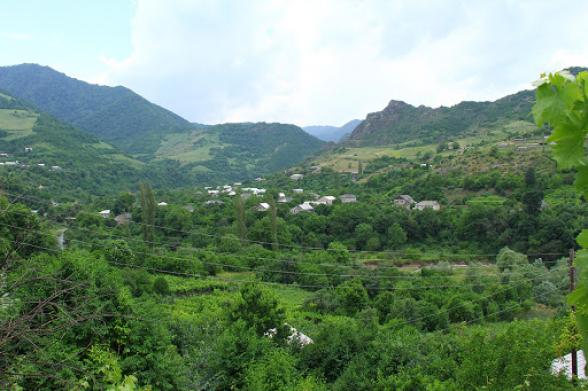 ВС Азербайджана обстреляли из минометов село Чинари в Армении
