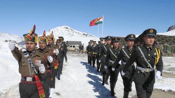 Индия требует от Китая полного отвода войск из Ладакха – СМИ
