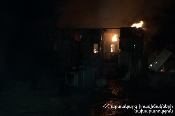 Հրշեջ-փրկարարները մարել են Նուբարաշենի հոգեբուժարանի մոտակայքում գտնվող տներից մեկում բռնկված հրդեհը