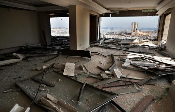 Взрыв в Бейруте оставил без крова 300 тысяч человек