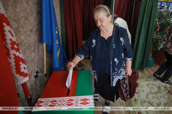 На выборах в Белоруссии за четыре дня досрочно проголосовали 32,24% избирателей