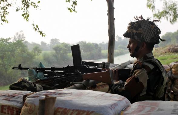Пакистан обстрелял индийские районы Кашмира – СМИ