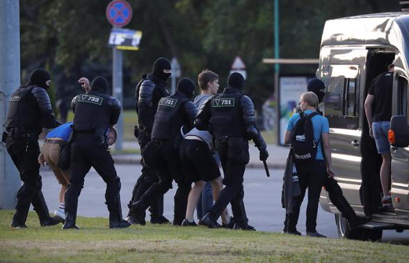 МВД Белоруссии сообщило о 2000 задержанных за минувшую ночь