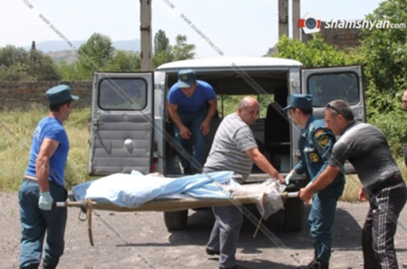 Վարդահովիտ գյուղի «Դմբլի յուրդ» կոչվող հանդամասում հայտնաբերվել է  59-ամյա տղամարդու դի՝ մարմնի վրա կայծակի հարվածի հետքերով