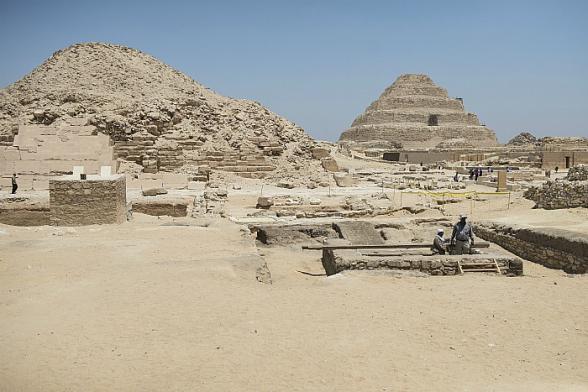 Близ Каира обнаружены 27 саркофагов возрастом более 2500 лет (фото)