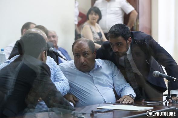 Адвокат Роберта Кочаряна ходатайствовал о признании недопустимыми доказательств, полученных следователем Мушегяном