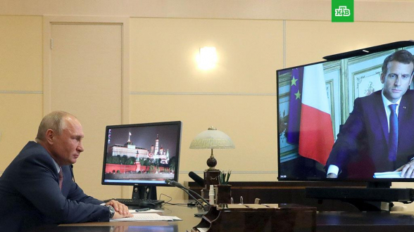 «Le Monde» узнала детали телефонной беседы Путина и Макрона о Навальном