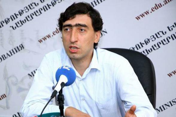 Смбат Гогян будет освобожден от должности главы Высшей аттестационной комиссии с 25 сентября