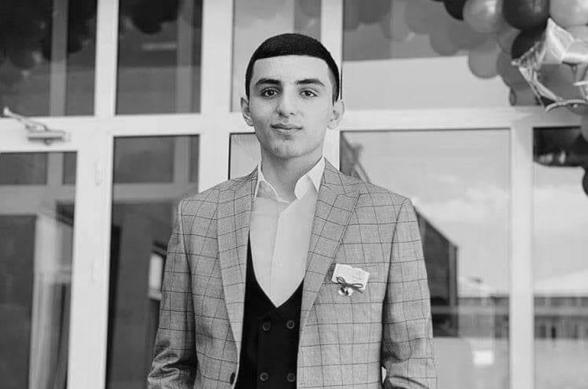 19-ամյա զոհված զինծառայող Դավիթ Բադալյանը Մասիս քաղաքից էր, նրա եղբայրը ծառայության մեջ է այս պահին