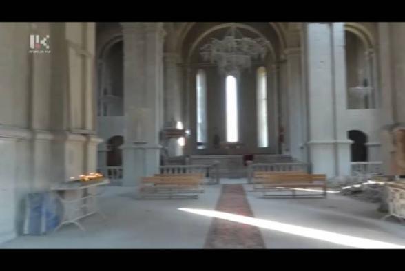 Մի խումբ երիտասարդներ մաքրել են Ղազանչեցոց Սուրբ Ամենափրկիչ եկեղեցին