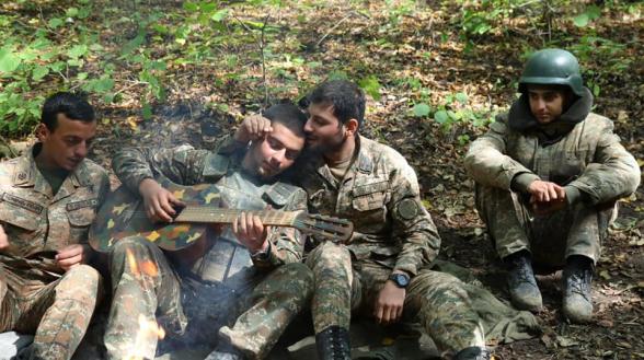 Мы противостоим также благодаря крепким и здоровым отношениям между офицером и солдатом