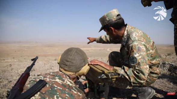 Тренировки мобилизованных на защиту родины солдат перед отправкой на фронт