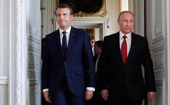 Путин и Макрон обсудили ситуацию в Карабахе