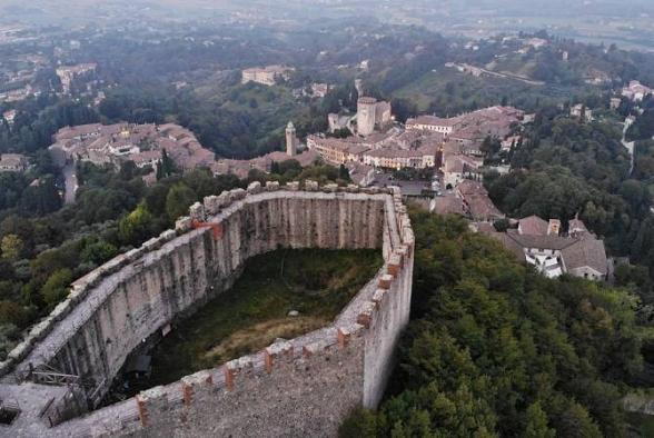 Городской совет итальянского Азоло принял резолюция о признании независимости Арцаха