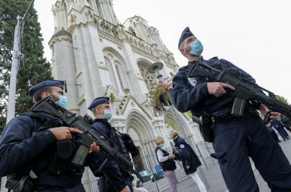 Около 50 человек турецкого происхождения напали на церковь в Вене