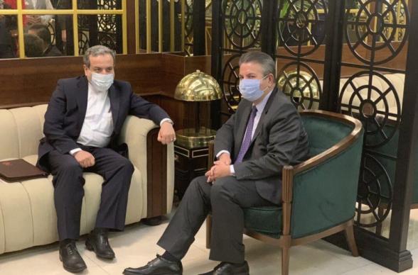 Замглавы МИД Ирана сообщил о продуктивной беседе с турецким коллегой по Карабаху