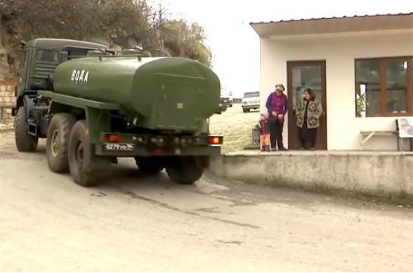 Российские миротворцы доставили питьевую воду жителям высокогорных районов Карабаха