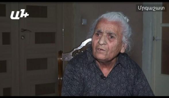 85-ամյա Էմմա տատը Հադրութում միակ որդու գերեզմանն է թողել
