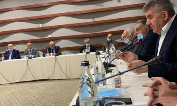 Արա Աբրահամյանը կլոր սեղան է անցկացրել Հայաստանում, Արցախում և սփյուռքում իրավիճակի վերաբերյալ