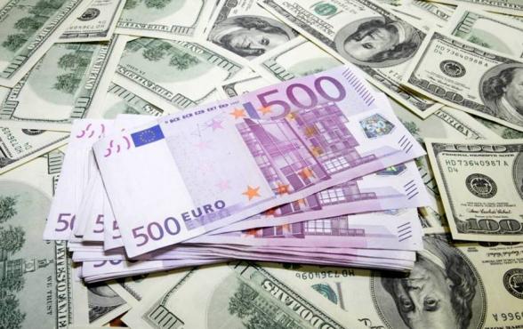 Որքա՞ն է իրականում դոլարի փոխարժեքը․ սպասվում է սոցիալական ծանրագույն վիճակ․ «Փաստ»