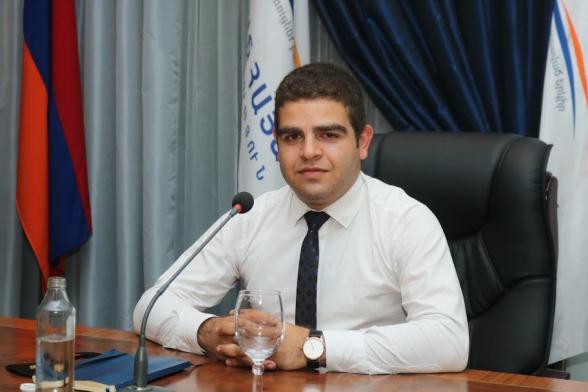 ԱԱԾ-ն խուզարկում է ԲՀԿ Երիտասարդների միության նախագահ Աշոտ Անդրեասյանի բնակարանը