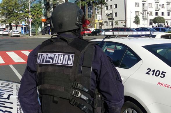 Вооруженный мужчина ограбил филиал Банка Грузии в Тбилиси