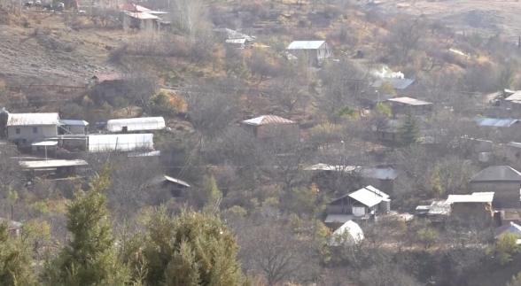 После войны есть лишь один путь, чтобы встать на ноги – жители прилегающих к руднику Амулсар общин (видео)