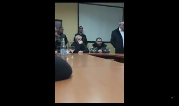 Այ լրբի տղա, պիտի չոքեիք, ասեիք՝ կանգնացրու պատերազմը. զինվորի ծնողը՝ Անդրանիկ Քոչարյանին (տեսանյութ)