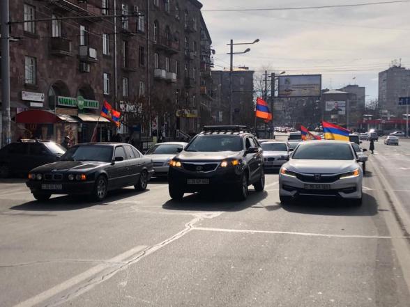 Граждане провели автопробег с требованием отставки Никола Пашиняна (видео)